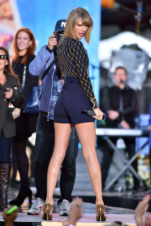Taylor Swift performs on Good Morning America in NYC